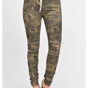 Distressed camo joggers zipper knee American Bazi